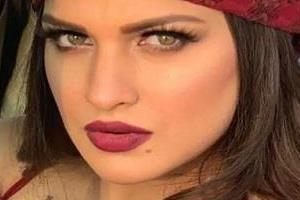 himanshi khurana shared recovering pictures in the hospital