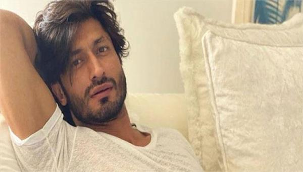 vidyut jammwal shares video talks with big action legends