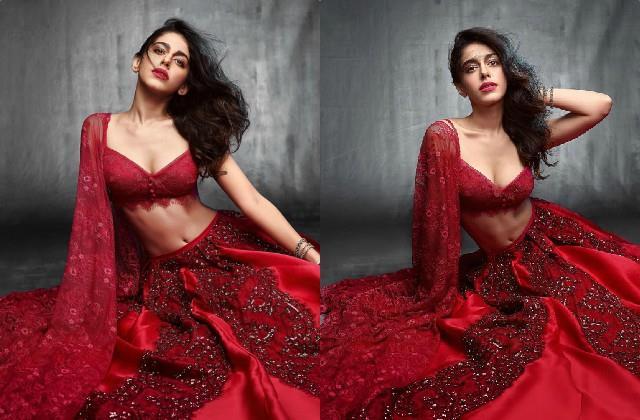 alaya furniturewala shares her glamorous photos