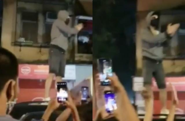 ranveer singh jumps on his car roof to deliver message to fans