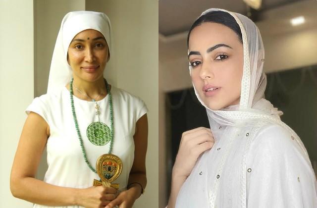 खुद की सना खान से तुलना होने पर भड़की सोफिया हायत, कहा-'मैं आज भी आध्यात्मिक हूं,तीन साल से नहीं किया सेक्स'