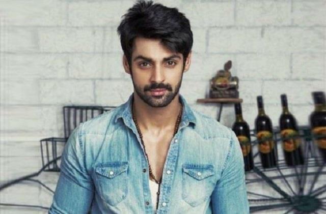 karan wahi urges everyone to say no to crackers users trolled actor