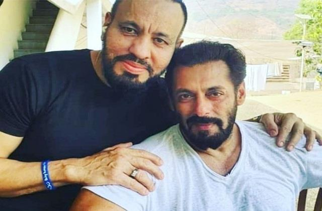 salman khan bodyguard denied reports of his isolation