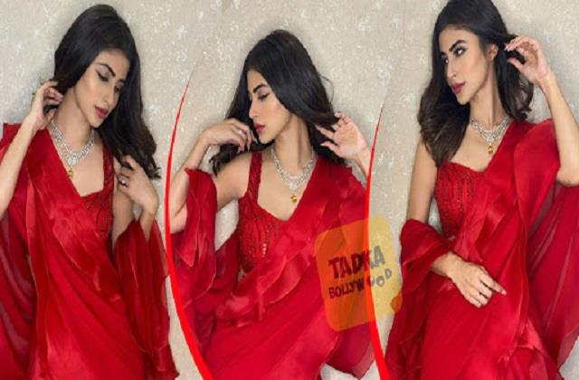 mouni roy shares beautiful photos in red saree