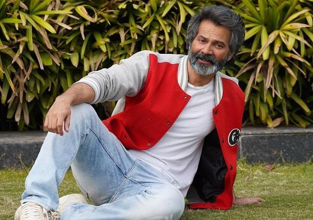 varun dhawan shares his isolation look