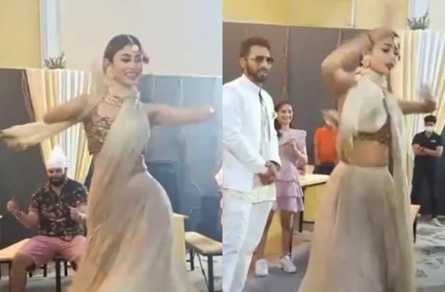 mouni roy dance video viral from punit pathak nidhi moony singh wedding
