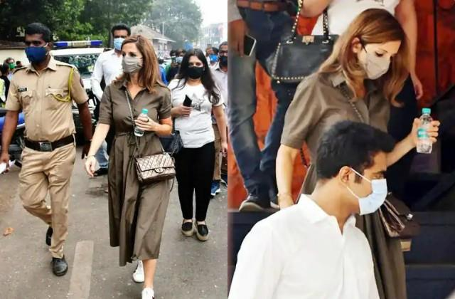 hrithik roshan ex wife sussanne khan spotted at bandra police station