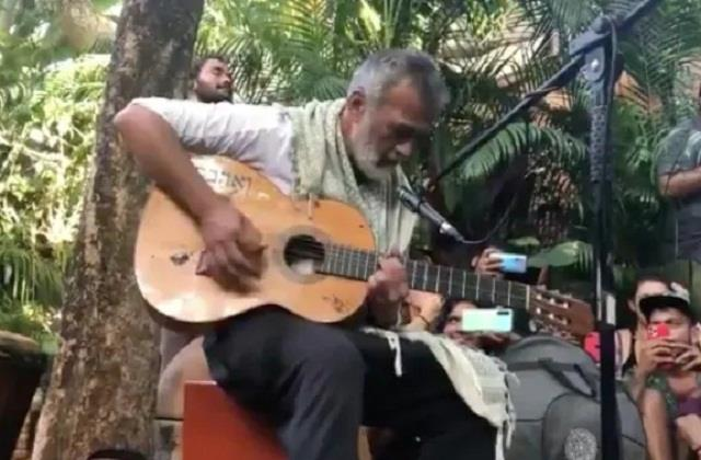 lucky ali singing song  o sanam   video goes viral