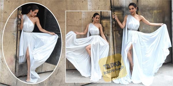 malaika arora looks stunning in high slit dress