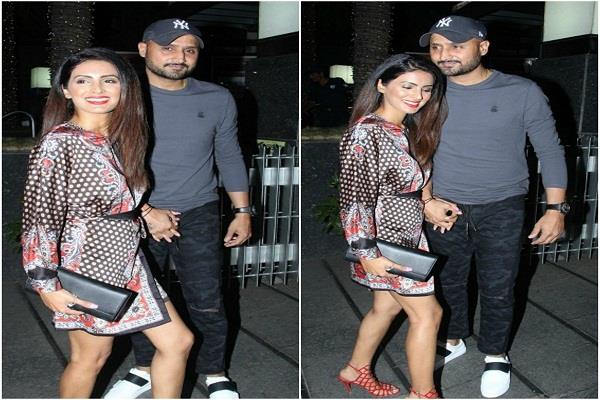 harbhajan singh and geeta basra arrive on a dinner date