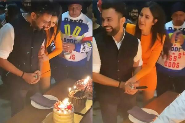 katrina kaif helps ali abbas to cut his birthday cake