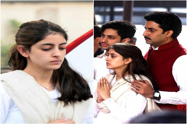 abhishek consoles the niece at ritu nanda funeral
