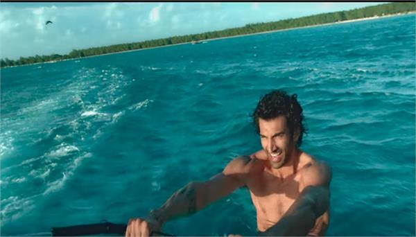 aditya and disha are seen doing adventure sports in the new song humrah
