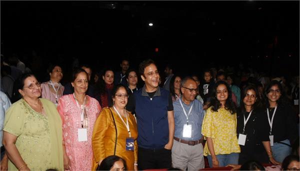 director vidhu vinod chopra attend special screening of shikara in mumbai