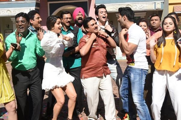 varun and shraddha promotion at the set of tarak mehta ka ooltah chashmah