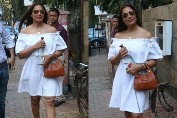 bipasha basu spotted outside the restaurant