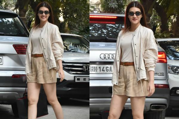 kriti sanon spotted at bandra