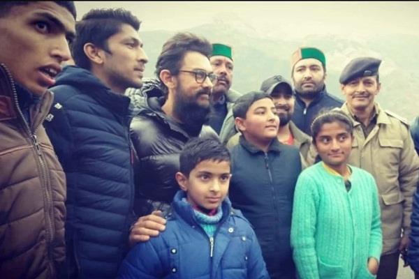 aamir khan arrives in shimla for shooting