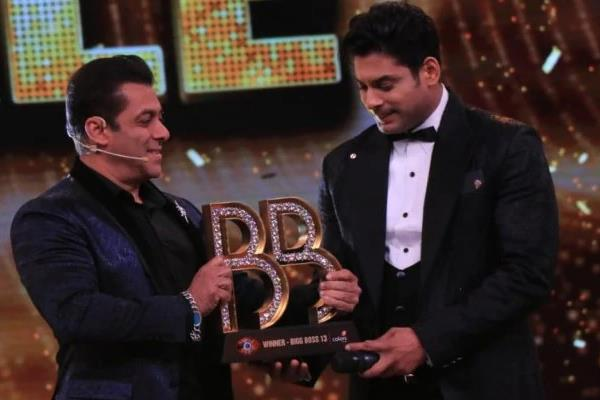 sidharth shukla wins bigg boss 13 trophy
