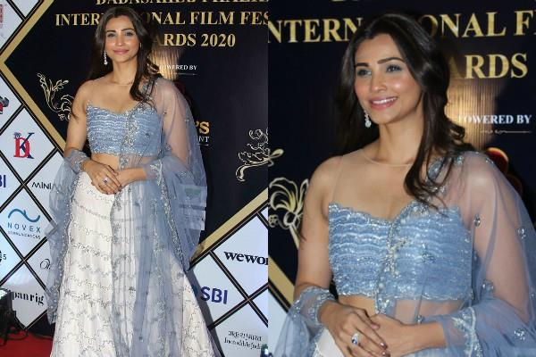 daisy shah attends dadasaheb phalke international film festival awards