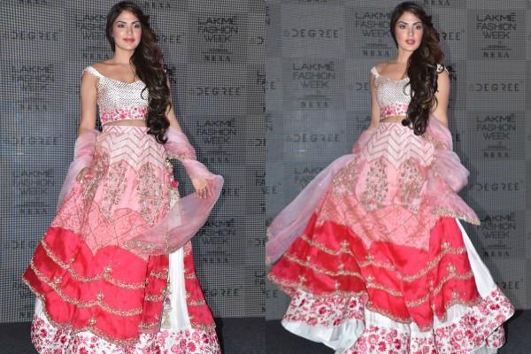 rhea chakraborty walks for lakme fashion week