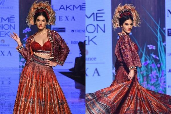 amyra dastur ramp walk at lakme fashion week