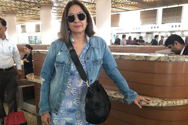 neena gupta id is checked three times at airport