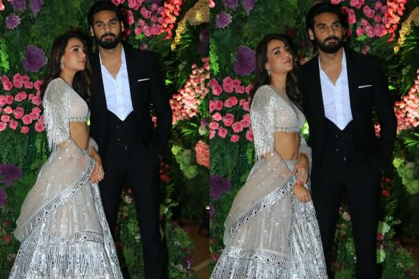 ahan shetty attend wedding with his girlfriend