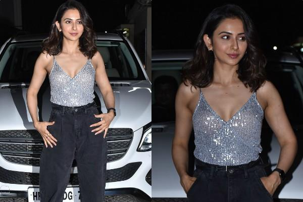 rakul preet singh looks stunning as she attends love aaj kal screening