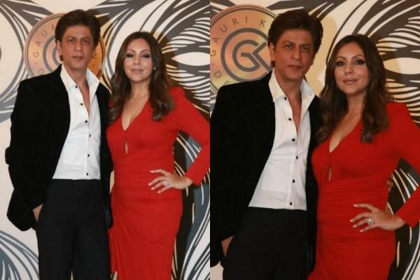 shahrukh khan stylish entry with wife gauri khan at party