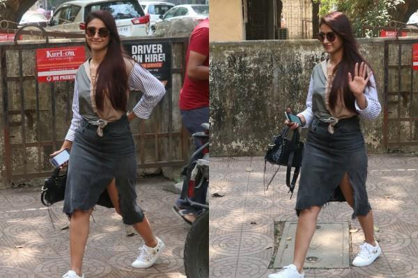 ileana d cruz looks stylish in latest pictures