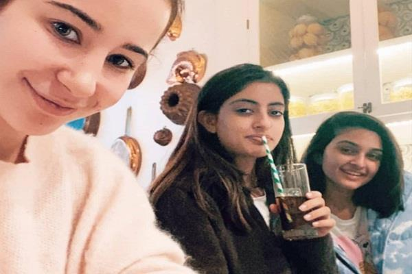 navya naveli nanda party with friends after 15 days of grandmother death