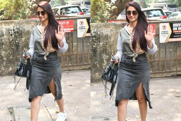 ileana spotted outside the salon
