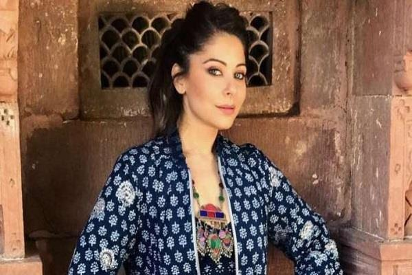 fir against singer kanika kapoor who has been tested positive for covid 19
