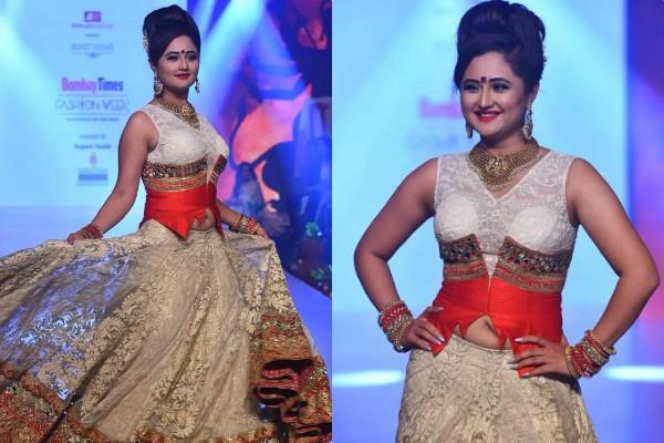 rashami desai looks stunning at bombay times fashion week 2020