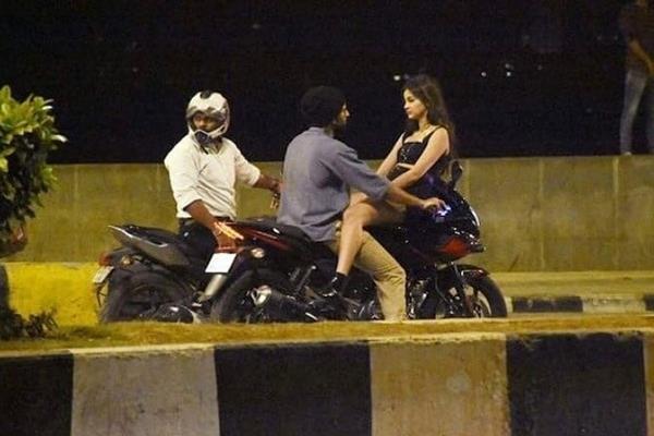 ananya pandey bike riding with vijay devarkonda