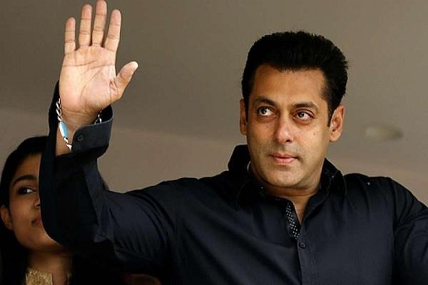 salman khan asks bank account details of 25000 labours for donation