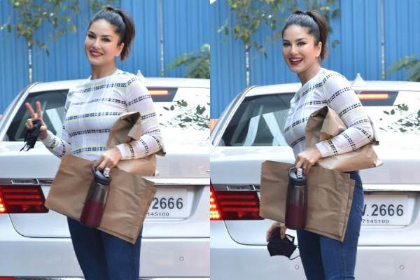 sunny leone spotted in bandra