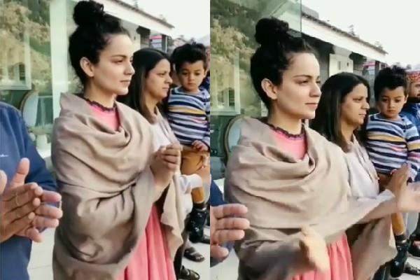 kangana ranaut cheers for the heroes with family during janta curfew