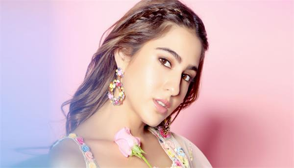 sara ali khan crosses 20 million followers on instagram