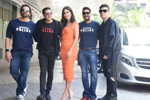ranveer singh shared a group selfie from the trailer launch of sooryavanshi