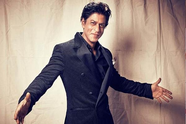 user asked shahrukh khan how much did you give in pm fund