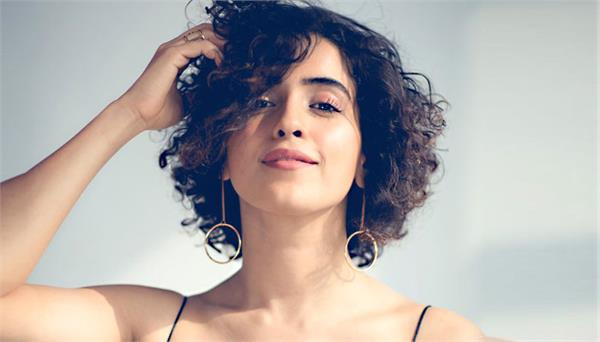 sanya malhotra accepts dance challenge on instagram during lockdown