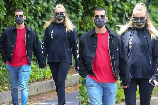 sophie turner first time flaunts baby bump at public place with hubby joe jonas