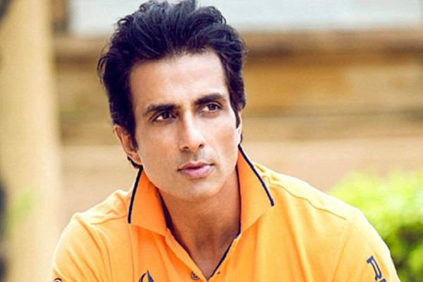 sonu sood reacts when he know his statue going to built in bihar district