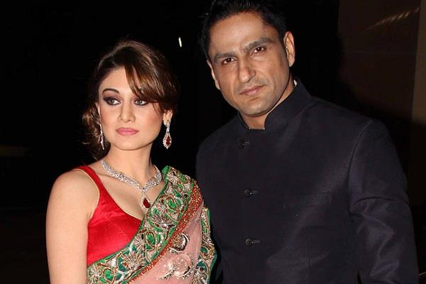 shefali jariwala father in law dies due to heart attack