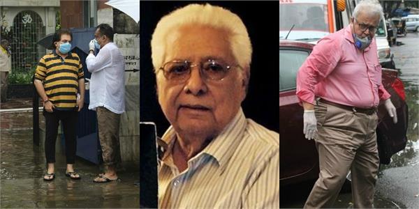 ashoke pandit attend veteran filmmaker basu chatterjee last rites