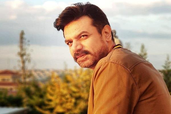 pakistani actor vasay chaudhry tested corona positive