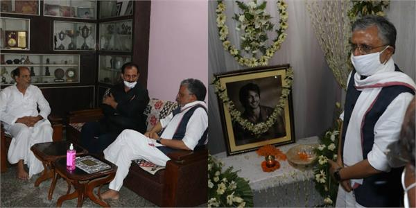 bihar deputy cm sushil modi meets sushant singh family pays tribute to actor