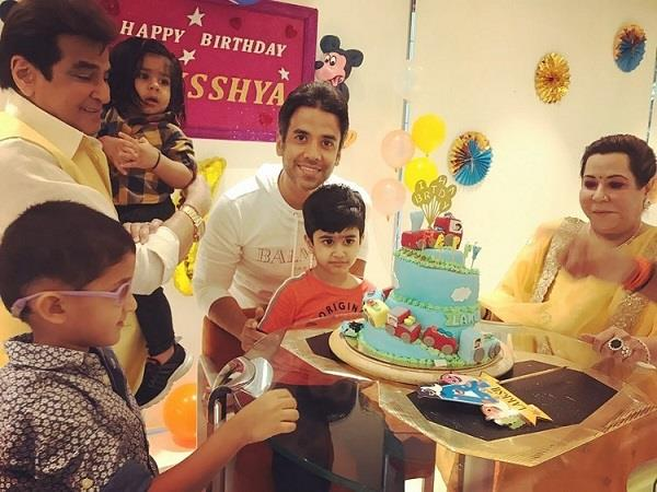 tusshar kaporor celebrate son lakshya birthday see pictures